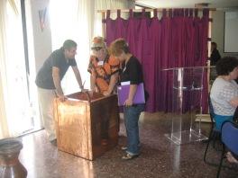 Arik teaching about the brazen altar